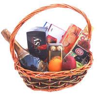 """Корзина с фруктами и шоколадом """"Александр"""" (напитки в подарок)"""