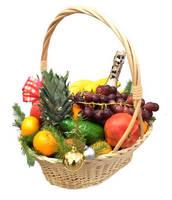 """Корзина """"Новогодняя"""" с фруктами"""