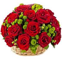 """Корзина из красных роз """"Мелодия"""""""